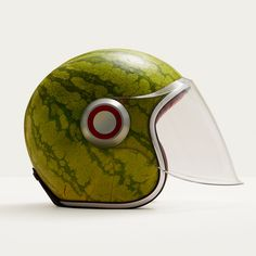 A matter of taste, watermeloen helm Photo Food, Grenade, Bobble Hats, Snowboards, Juice Cleanse, Motorcycle Helmets, Green Motorcycle, Motorcycle Fashion, Food Design