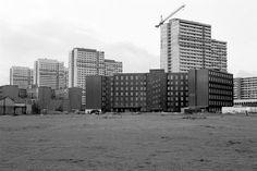 1991 Die Leipzigerstrasse von hinten,auf Hoehe des Spittelmarktes.Auch hier ist die Mauer schon weg