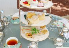 Oo! Broadsheet has written a review of the best places for High Tea in Melbourne. Yes.