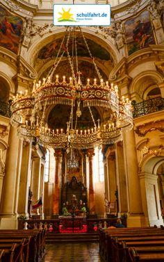 Die St. Nicholas Kirche in Prag. www.schulfahrt.de #Kirche #Klassenfahrt #Prag