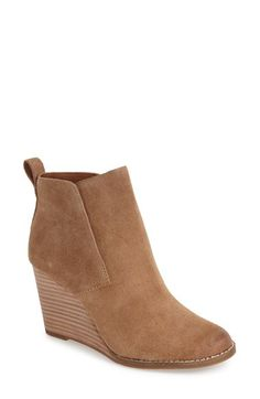 132 Free shipping and returns on Lucky Brand 'Yoniana' Wedge Bootie (Women) at Nordstrom.com. Buttery-soft oiled suede shapes a sleek ankle bootie designed with an almond toe and stacked wedge heel.