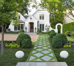 Something many may not think about during the building process or remodeling process is sidewalk design. Sidewalks are a great place to get creative and add extra curb appeal to your home. Landscape Design, Garden Design, Brick Sidewalk, Front Sidewalk Ideas, Painted Brick Exteriors, Sainte Claire, Best White Paint, Custom Home Builders, House Front
