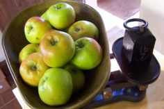 Spiced Apple Chutney - I love this chutney - it is economical and very, very tasty