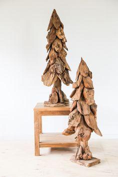 Fantastische woonaccessoires gemaakt van drijfhout. Decoratieve schalen, dennenbomen, vazen, lampen & bollen geven uw teakhouten meubelen die extra touch.