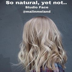 So natural, yet not.. We toned her very light hair with some delicious sand tones. #schwarzkopfpro #essensity #hair #hairdresser #stylist #blond #highlighter #highlights #blondehair #curlyhair @malinmeland