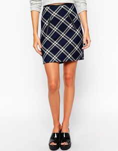 Shop the latest New Look Quilted Check Print Mini Skirt trends with ASOS! Free delivery and returns (Ts&Cs apply), order today! New Look, That Look, Mini Skirt Style, Nouveau Look, Spencer Hastings, Fashion Tv, Check Printing, Pretty Little Liars, Asos