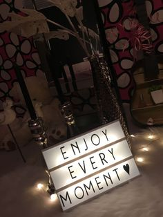 Lightbox quotes enjoy every moment Cinema Light Box Quotes, Cinema Box, Light Quotes, Light Up Message Board, Light Board, Led Light Box, Light Up Letters, Boxing Quotes, Box Signs