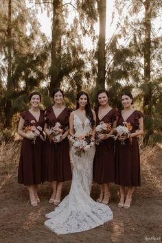 Beautiful, luxurious and intimate greenery wedding in Cape Town, South Africa by Happinest Weddings and Bouwer Flowers. Image by Page & Holmes. Wedding Coordinator, Wedding Planner, Destination Wedding, Unique Weddings, Real Weddings, Luxury Wedding, Our Wedding, Industrial Wedding, Bridesmaid Dresses