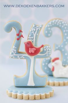 Twelve Days of Christmas Decorated 3D Sugar Cookies tutorial from Sweet Sugarbelle...has tutorials for all 12...would be the CUTEST dessert table decor for next Christmas!