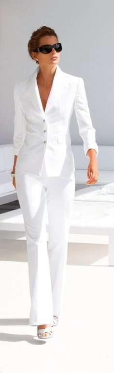Simply I LOVE it! I think I have already pinned this but I am going to do it again because I love it so much. Always have love white pant suit. Sunglasses and hairstyle just finish this off beautifully!