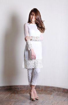 Cut out detail two-piece set – Natasha Kamal Stylish Dress Designs, Stylish Dresses, Pakistani Dress Design, Pakistani Outfits, Indian Designer Outfits, Designer Dresses, Patiyala Dress, Dress Indian Style, Indian Dresses