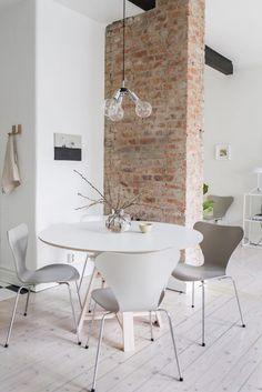 Paredes de ladrillo, un cálido contraste a las paredes blancas