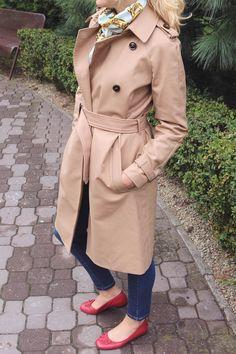 Тренч Mango - отзыв #trench #trenchcoat #mango #silkscarf #moschino #howtoweartrench #тренч #плащ #счемноситьтренч #мода #стиль #style #fashion #gabardin #габардин #redflats #redshoes #красныебалетки #красныетуфли