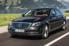 The new Mercedes-Benz S-Class facelift is available in two variants – S350 d and S 450. They have been priced at INR 1.33 Crore and 1.37 Crore respectively. The New Mercedes-Benz S 350 d is also the first ever Made-In-India, BS VI compliant vehicle.