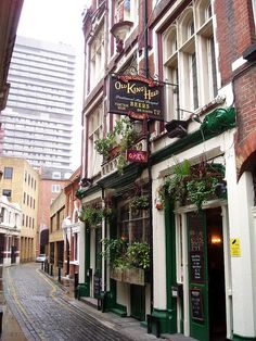 The Old Kings Head pub in London, England