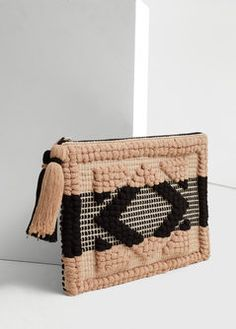 Textured cotton cosmetic bag - Bags for Women Macrame Colar, Ethnic Bag, Weaving Projects, Boho Bags, Diy Décoration, Weaving Techniques, Toiletry Bag, Rug Hooking, Handmade Bags