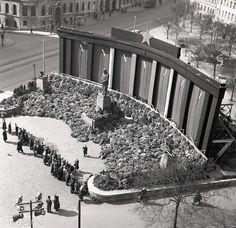 Rok 1953: V uliciach československých miest zavládol smútok