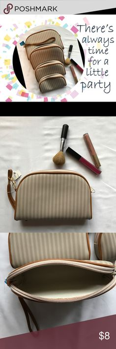 """4 Nesting Makeup Pouches Cute little nestled makeup pouches! 4 different sizes, largest is approximately 8""""x6"""" and smallest is 6""""x3.5""""View all photos and ask questions before purchase No Smoke and Pet Friendly home  Bags Cosmetic Bags & Cases"""