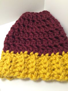 Mn Gophers Messy Bun Beanie Hat ,Bun Hat, Messy Bun Hat , Pony Tail Hat by crochetthisforme on Etsy