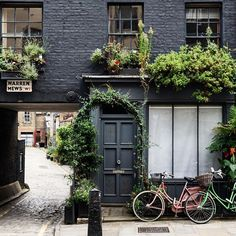 from Warren Mews in ✨photo credit: Beautiful Streets, Beautiful Homes, Exterior Design, Interior And Exterior, Mews House, London Architecture, Le Jolie, London Photography, London Photos