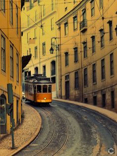 Visiting old #Lisbon districts by tram. #Portugal, photo by  Ivan Capelo