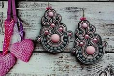 Ružovosivé sujtášové náušnice