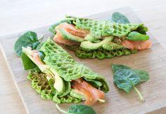Sunde spinatvafler med laks og avocado – Malene Mandrup