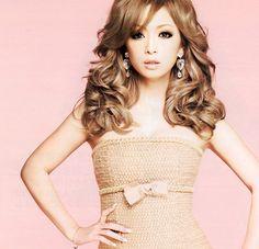 Ayumi Hamasaki, ah she's so pretty.