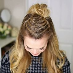 Braided Hairstyle for Long Hair Hey girls! Today we are going to talk about those gorgeous braid styles. I will show you the best and trendy hair braid styles with some video tutorials. Medium Hair Styles, Curly Hair Styles, Hair Braiding Styles, Short Hair Braid Styles, Braiding Your Own Hair, Hair Medium, Braids For Long Hair, Cool Braids, Girl Hair Braids