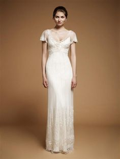 Love that perfect art nouveau bodice with the translucent beading and crystal accents on this Foxglove gown by Jenny Packham. And lovely little chiffon sle - Art Nouveau Wedding Gown Jenny Packham Wedding Dresses, Jenny Packham Bridal, Size 12 Wedding Dress, Used Wedding Dresses, Bridal Gowns, Wedding Gowns, Gatsby Wedding, Rose Wedding, 1930s Wedding