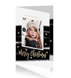 Trendy kerstkaart met je eigen foto op de voorkant met witte achtergrond en mooie zwarte vegen aan de buiten en binnenkant.
