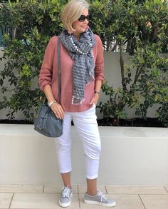 Best Fashion Tips For Women Over 60 - Fashion Trends Older Women Fashion, Over 50 Womens Fashion, 50 Fashion, Fashion Tips For Women, Look Fashion, Fashion Outfits, Fashion Trends, Fashion Online, Mode Outfits