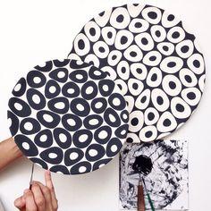 Platos Ceramic Tableware, Ceramic Clay, Ceramic Painting, Ceramic Bowls, Pottery Painting Designs, Pottery Designs, Hand Painted Pottery, Hand Painted Ceramics, Sgraffito
