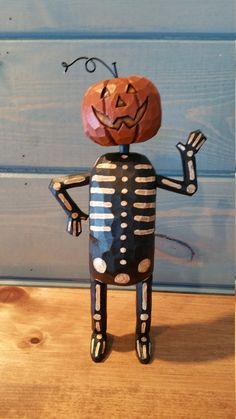 Halloween Doll, Halloween Images, Halloween Themes, Fall Halloween, Happy Halloween, Halloween Decorations, Wood Carving Art, Wood Art, Hand Carved