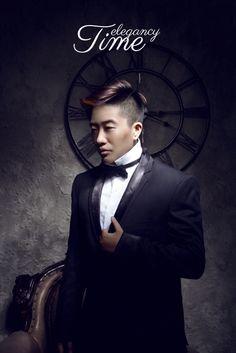 Me Wearing black suit Hei bin