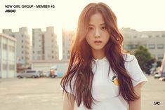 BLACKPINK's JISOO will be the emcee of this week's Inkigayo, which will be broadcasted live on SBS. Blackpink Jisoo, Yg Entertainment, South Korean Girls, Korean Girl Groups, Jenny Kim, Black Pink ジス, Blackpink Debut, Wattpad, Jennie Blackpink