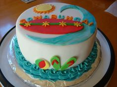 Surf cake....another view.  I do have to thank my friend Marian for letting me use her much bigger kitchen to work on my cakes!