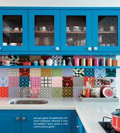 Colorindo a cozinha. Veja como: http://www.casadevalentina.com.br/blog/materia/para-colorir-a-cozinha.html #decor #decoracao #interior #design #kitchen #cozinha #color #cor #casa #home #house #idea #ideia #detalhes #details #casadevalentina