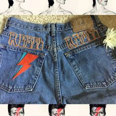 Rebel ⚡️ Rebel 🧡David Bowie inspired denim hand stitched on 90s high waist GAP jeans with silver metallic thread. 🧡Tag says size 6 Ankle.… #davidbowie #bowie #vintage #70s #90s #embroidery #handstiched #bluejeanbaby #rebelrebel #ziggystardust #retro #fashion #fashionblogger