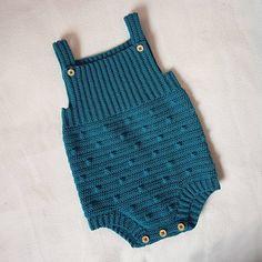 Just finished this cute baby romper Lovely pattern by Crochet Romper, Newborn Crochet, Crochet One Piece, Crochet For Boys, Onesie Pattern, Boy Crochet Patterns, Rompers For Kids, Knitted Baby Clothes, Baby Boy Romper