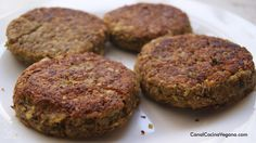Hamburguesas de lentejas - CanalCocinaVegana.com Lebanese Recipes, Vegan Recipes, Vegan Meals, Vegetarian Options, Vegan Vegetarian, Becoming Vegetarian, Paleo, Daniel Fast, I Foods