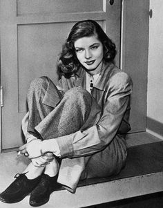 The Beauty Of Lauren Bacall Hollywood Icons, Old Hollywood Glamour, Classic Hollywood, Brigitte Bardot, Divas, Bogie And Bacall, Humphrey Bogart, Lauren Bacall, 1940s Fashion