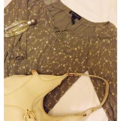 MOSS GREEN BOHO PEASANT TOP EUC. INC concepts. Size large. Sheer sleeves with elastic cuffs. Elastic around bottom hem of shirt. Moss green color with gold embroidery. Front tie accessory. No flaws rips or stains. Please ask questions and view photos before purchase. No trades no PayPal. Thank you !! INC International Concepts Tops