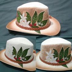 Proceso final de pintado de sombrero. Flor de cafe. TatyHung
