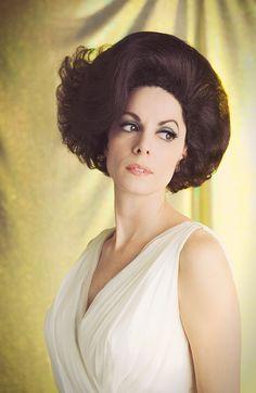 Lynda Kay 1960 Hairstyles, Vintage Hairstyles, Cool Hairstyles, Wedding Hairstyles, Teased Hair, Bouffant Hair, 60s Hair, Beehive Hair, Hair Today