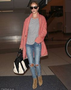 Rosie Huntington-Whiteley dashes to LA hours after Met Gala - Celebrity Fashion Trends