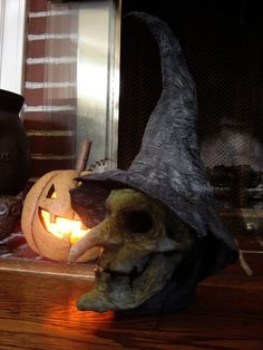 use a plastic skull then paper mache over it to create this amazingly creepy witchs head