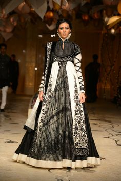 Rohit Bal Collection at @IndiaBridalWeek in Mumbai - Grand Finale http://www.filmicafe.co/event_photos/Glitz_&_Glamour/Fashion_&_Style/3527_Rohit_Bal_Collection_at_IBFW___India_Bridal_Fashion_Week_in_Mumbai___Grand_Finale