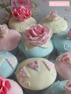 beautiful rose and bunting cupcakes