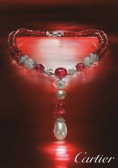 Cartier necklace Collier Cartier en Rubis, perle et diamants.